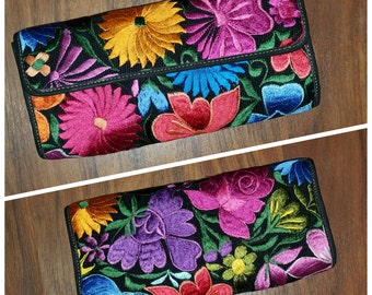 Flower clutch / Hand Woven & Leather