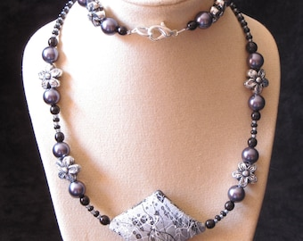 "18"" Beaded Necklace (Black-Grey-Silver) (PH20)"