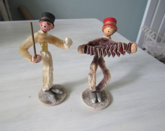 Vintage Pair of Pipe Cleaner Figures Conductor Accordian Player Concertina Player  306