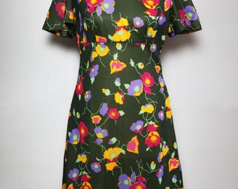 Floral 70s green dress