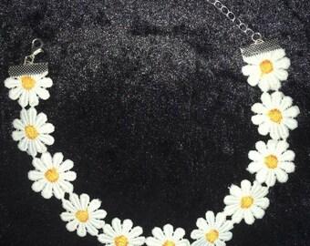 Daisy Chain Choker Necklace