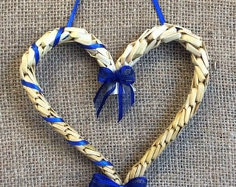 Love heart - Wedding favour - Wedding gift - Engagement gift - Corn dolly - Wheat weaving - Handfasting - St Valentine -Handfasting