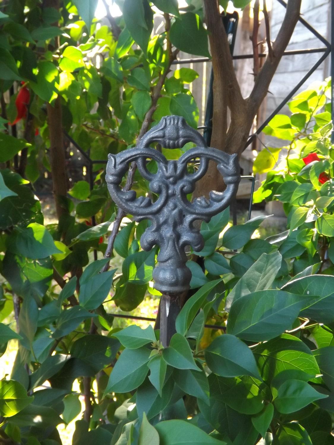 Garden stake/Cast Iron Garden Stake/Garden Decor/Rustic