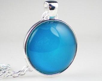 Bright Sky Blue Nail Polish Necklace Jewelry China Glaze Towel Boy Toy Nail Polish