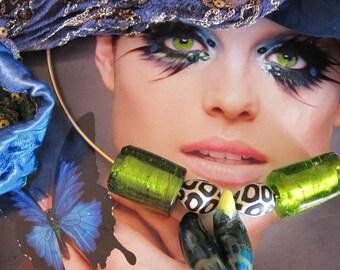 Ultramarine and green neck candy