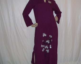 Maxi Caftan Egyptian Lotus Embroidery Long Sleeve Burgundy Gold White Flower Vtg Caftan Party Dress Cruise Resort Dress Adult 43 chest M