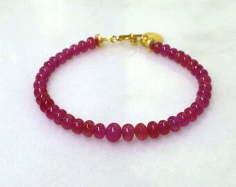 Supreme Pink Sapphire Simplicity Bracelet in gold...