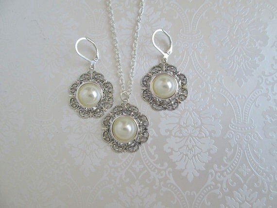 bridesmaid Jewelry Set ,Pearl Necklace, dangle earrings, Jewelry set,Ivory Pearl and Crystal,  radiant collection