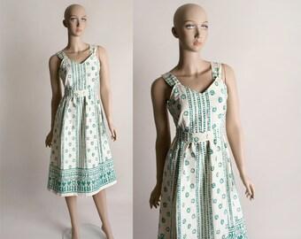 Vintage 1970s Cotton Dress - Green Batik Flower Ethnic Bohemian Boho Spring Summer Dress - Medium