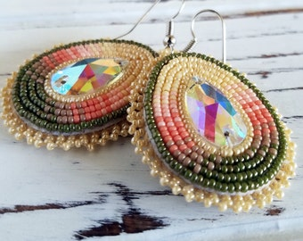 Native American applique beadwork earrings - beaded earrings - seed beaded earrings