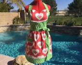Sassy Apron, Retro Style with Gathered Waist and Towel Loop, Womens Misses and Plus Sizes, Tanya Whelan Roses and Hearts