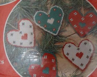 Vintage Mary Maxim Needlecraft Kit, Ornaments, Folk Country Tree Decor, Yarn, Hearts, Boys & Girls, Holly Hobbie Children like, Kit 37086