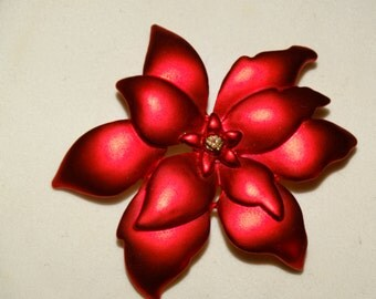 Vintage Poinsettia Christmas Pin, Flower, Christmas Flower Pin, Holiday Scarf Pin retro 70's X-Mas collectible, Lot #57