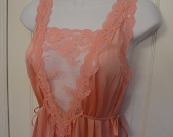 Vintage Nightgown, Lorraine Sz Small, Coral color Nylon, Self tie waist, Sleeveless, Lace V bodice top, Full length night gown, Made is USA