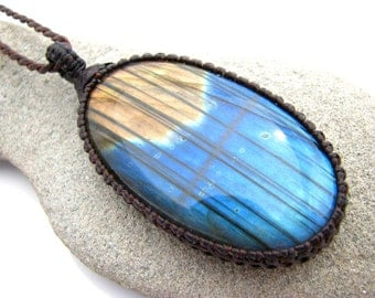 Macrame jewelry, Labradorite pendant, stone necklace, Crystal necklace, Gypsy elf, macrame necklace, fiery, blue flash