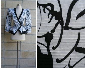 80s graphic ladies blazer. Dynasty era Joan Collins'esque big shoulder jacket, peplum cut in artsy black and white splatter print, size S.