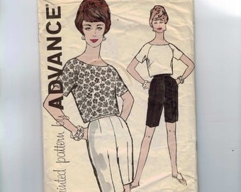 1950s Vintage Sewing Pattern Advance 9650 Misses Raglan Sleeve Blouse Top and Bermuda Shorts Creased Size 12 Bust 30 50s