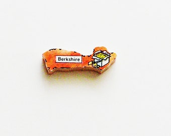 Berkshire England Brooch - Lapel Pin / Unique Wearable History Gift Idea / Upcycled 1960s Wood Puzzle Piece / Timeless Gift Under 20