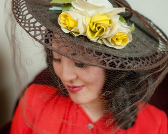 Vintage 1930s Hat - Gorgeous Brown Straw Summer Hat with with Figure Eight Lace and Delicate Caged Veil