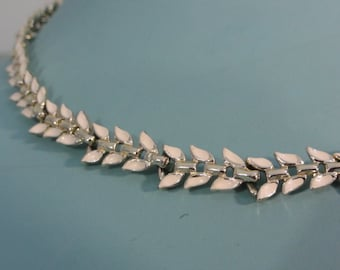 """Vintage Laurel Wreath Necklace- White Enamel Leaves Necklace- Vintage Necklace- Silver Metal, Greek Necklace- Art Deco Necklace- 16"""" Choker"""