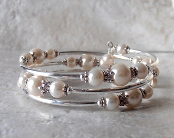 Off White Pearl Bracelet Memory Wire Bracelet Ivory Bridesmaid Jewelry Stacked Bracelet Beaded Wedding Jewelry Matching Sets Custom Colors