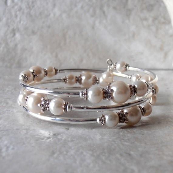 Off White Pearl Bracelet Memory Wire Bracelet Ivory Bridesmaid
