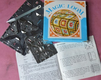 Vintage Magic Loom Weaving Squares 3 Metal Hand Looms & Needle in Box