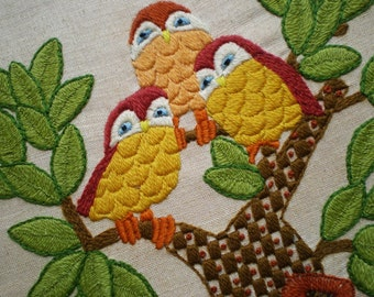 Owl Crewel Work Embroidery, Vintage Wood Framed Crewel Hand Needlework, Charming Owl Wall Decor, Meticulous Stitches, Vintage Wall Art