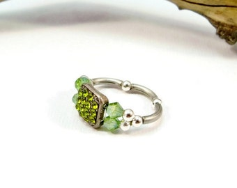August Birthstone Ring, Statement Ring, Peridot Crystal Ring, Stretch Band Ring, Women's Ring