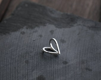 Mini Coup de Coeur silver pin brooch