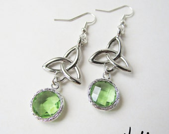 Silver Plated Trinity Knot Dangling Peridot Glass Earrings (ERSP2)