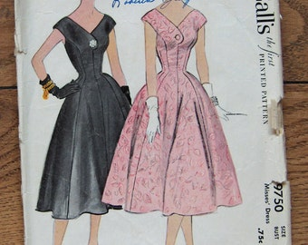 Vintage 50s McCalls pattern 9750 Misses DRESS sz 16  B34