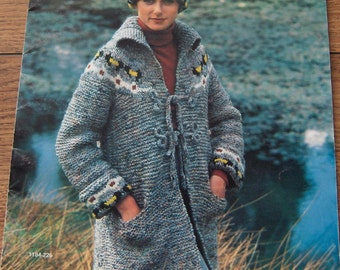 Vintage 1976 Knitting Crochet patterns Women Men Coats Cardigans Sweaters Hat- Great New Casuals In Danish Bulky