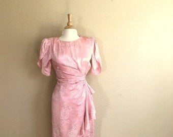 Vintage 80s BLUSH PINK Floral Peplum Dress / Womens Size Small / Cocktail Wiggle Dress / Simple Wedding Gown