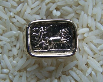 Heavy 14k Mans Ring With A Chariot Museum Jewelry