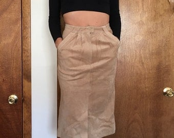 90's Vintage Tan Suede High Waist Midi Skirt With Pockets And Belt Loops