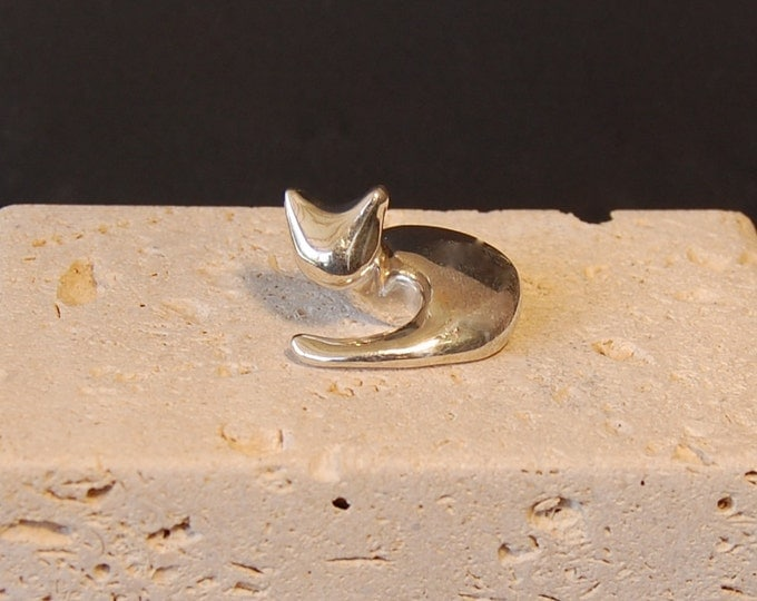 Sterling Silver Cat, Special High-Polish Silver shiny small kitten, laying down kitty with tail adorable and smooth in the hand