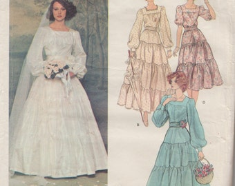 Vogue Designer Original 1251 / Vintage Bridal Sewing Pattern By Belinda Bellville / Wedding Dress Gown & Veil / Size 12 Bust 34