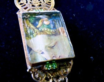 Beautiful historical image necklace, resin, historical, artsy, fine art