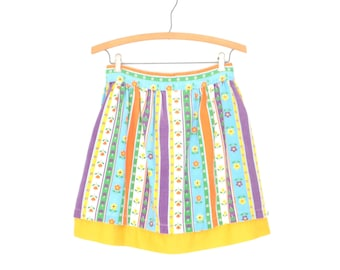 Vintage Folk Apron * 70s Skirted Apron * Floral 70s Apron Skirt