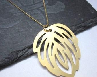 Gold Rose Necklace -- Rose Pendant Necklace -- Metal Flower Pendant Necklace -- Metal Rose Necklace -- Modern Flower Necklace -- Flat Rose