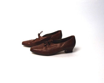 Brown Ellemenno Lace Up Oxford Heels, Size 7 M