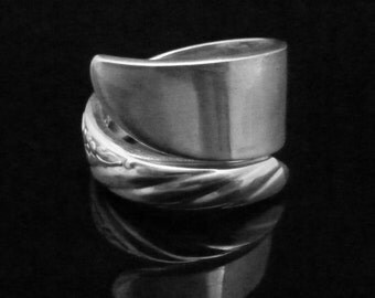 Simple Floral Spoon Ring, Always aka Wildwood 1958
