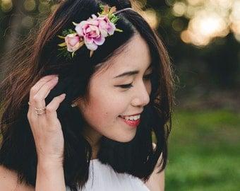 simple elegant summer rose blossom headband // creamy pink / bridal bridesmaid wedding floral headpiece flower crown fascinator accessory