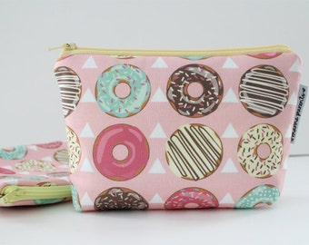 simple pouch -- sprinkled donuts