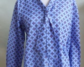 """Vintage Long Sleeved Blue Print Blouse with Collar that Extends to 2 Ties Bust 41"""" Waist 40"""""""
