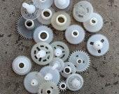 Vintage clock plastic gears -- set of 25 -- D9