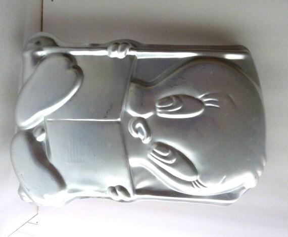 Wilton Tweety Bird Cake Pan