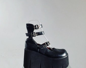 90's Mary Jane Platform Chunky Heel Buckle Strap Oxfords with Roller Tread // 10