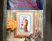 Vintage Crewel Embroidery Kit, Needlecraft Kit, Giraffe and Mouse Embroidery, Avon Creative Needlecraft, Vintage Crafting Friends Crewel Kit